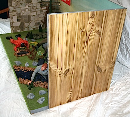 """Side view of the display shows an old style """"faux pine"""" paper litho pattern that looks correct to the period. (Photo: Chris Vogelin)"""