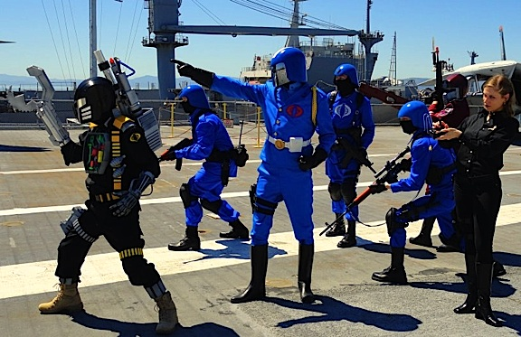 This group of Cobra Troopers gathered on the deck of an aircraft carrier to pose for a series of amazing photos. (Photo: cosplayers.acparadise)