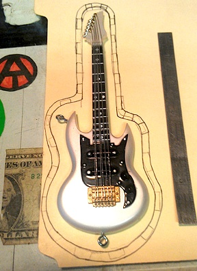 Ron needed a case for his scratch-built guitar. No problem! Simply trace off a pattern...(Photo: Ron Stymus)