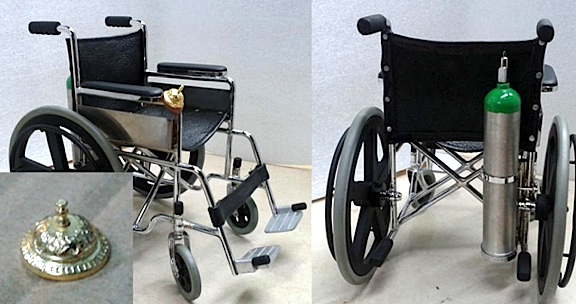 De Guzman's intricate, all-metal 1:6 scale wheelchair with oxygen bottle and bell. (Photo: Jonathan De Guzman)