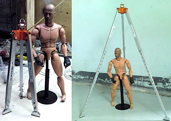 All-metal, fully-functional 1:6 scale rescue tripod. (Photo: Jonathan De Guzman)