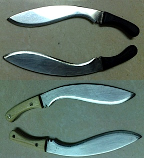 Highly realistic machete weapons at perfect 1:6 scale. (Photo: Jonathan De Guzman)