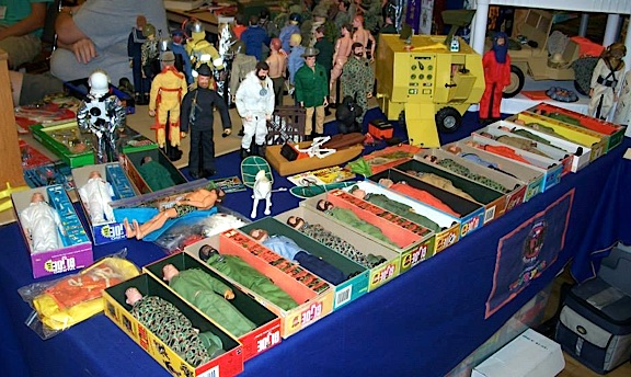 Vintage, Modern, Repro, Knock-off. It was all for sale at the 2013 DFW Show. Drool! (Photo: DFWGCC)