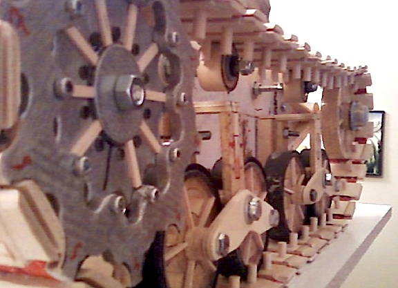 This stunning rear-view of the M3 Stuart's sprocket gears and tread assembly is an absolute MIND-blower! Can you (in your wildest dreams) imagine making all of this BY HAND and out of WOOD? Fantastic work, Mike! (Photo: Mike Conrad)
