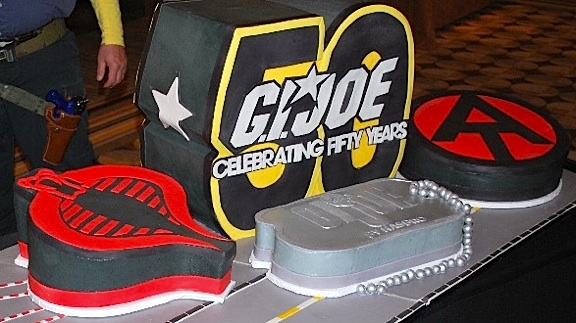 Dessert options for the banquet included your choice from these 4 superb GIjOE-themed cakes. Which one would YOU choose? Mmm! (Photo: GIJCC)