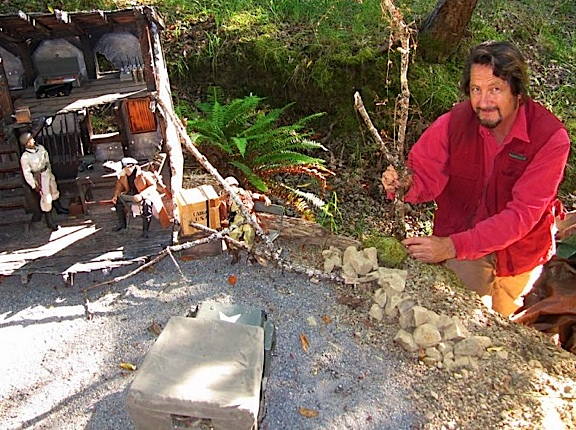 Tom sets up a command post diorama using found sticks, rocks and whatever else he needs from the woods around him. Just like when he was a kid! (Photo: Tom Razooly)