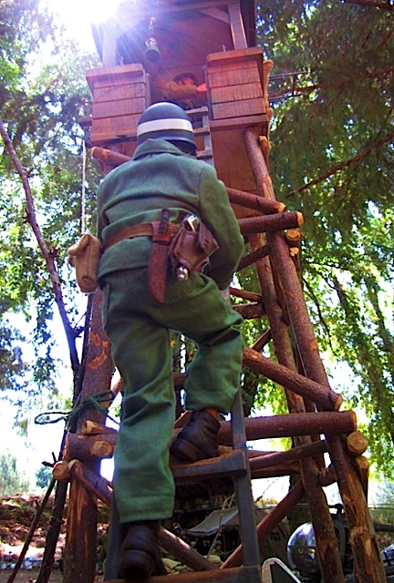 Reminiscent of the 1970s Adventure Team tower, Razooly's scratch-built, all-wood guard tower has a superb, rough-hewn texture so perfect for the forest in which it is displayed. What a FANTASTIC photo! (Photo: Tom Razooly)