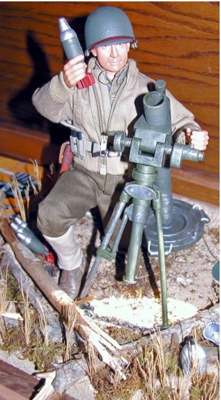 Angelo's custom figure and diorama of his Uncle John, preparing to load a mortar round into his weapon. SUPERB! (Photo: Angelo D'Annibale)