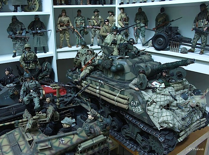 Big vehicles take up a lot of space, as Jacek's marvelously detailed Sherman tank and others clearly show. Look at all the details! (Photo: Jacek Sulowski) Click to enlarge.