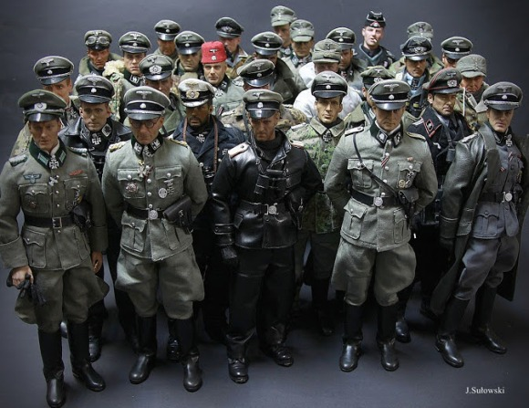 What an impressive group! Keen-eyed military fans and 1:6 collectors will be able to spot German forces  including the SS, Wehrmacht, Kreigsmarine and many more. (Photo: Jacek Sulowski)