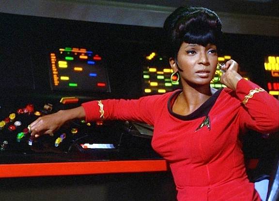 "Nichelle Nichols helped break down TV's racial barriers during the 1960s as she portrayed the feisty, intelligent and capable, ""Lt. Uhura"" in ""Star Trek."" (Photo: CBS/Paramount)"