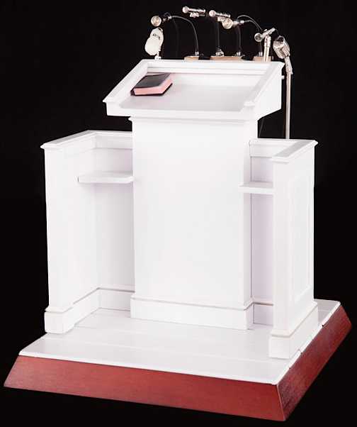 The MLK speech podium is a miniature 1:6 scale work of art all unto itself. Imagine all the uses for this! (Photo: DiD)
