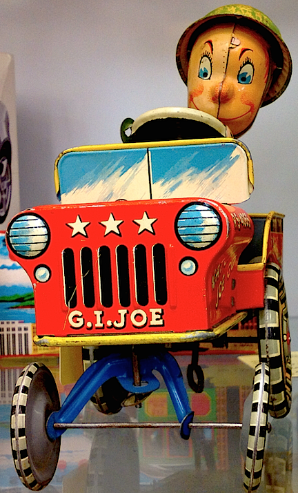 As seen from the front, the toy is clearly labeled